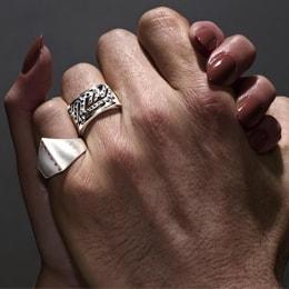 do men wear diamond rings