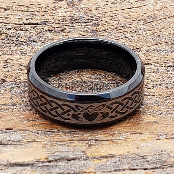 black-claddagh-ring