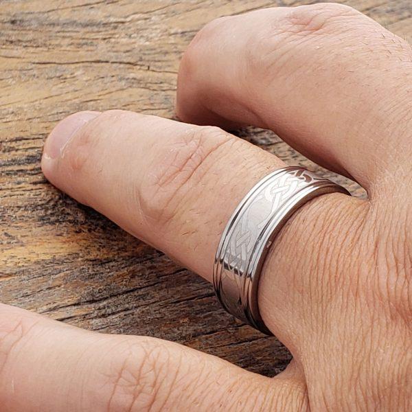 calypso-irish-love-grooved-celtic-7mm-rings