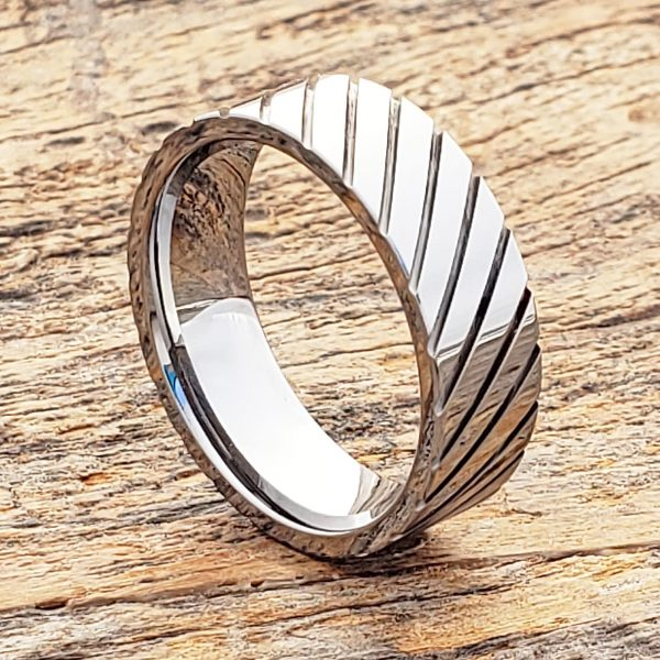 carina-diagonal-7mm-grooved-unique-rings