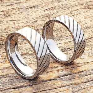 carina-diagonal-grooved-unique-rings