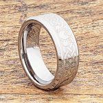 clatter-8mm-irish-style-beveled-claddagh-rings