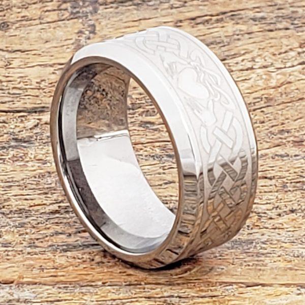 clatter-irish-10mm-bands-beveled-claddagh-rings