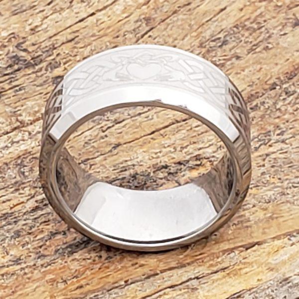 clatter-irish-bands-beveled-claddagh-rings