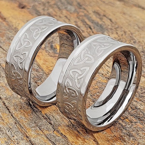 conquest-carved-triquetra-trinity-signet-ring-9mm