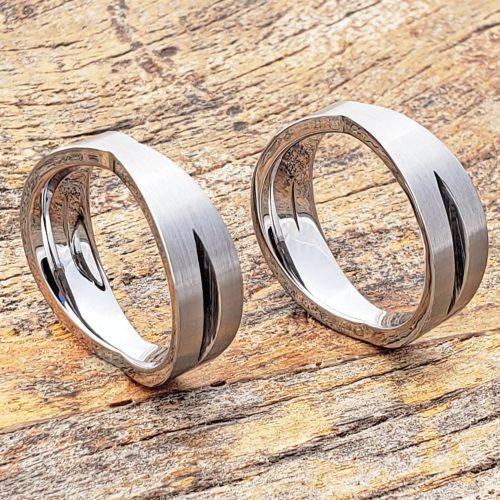 Eccentricity Sculpted Unique Rings