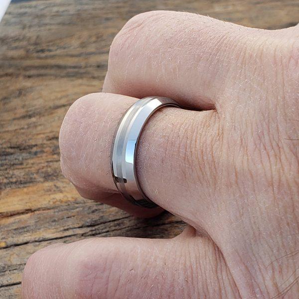 hazy-mens-brush-peaked-inlay-5mm-rings