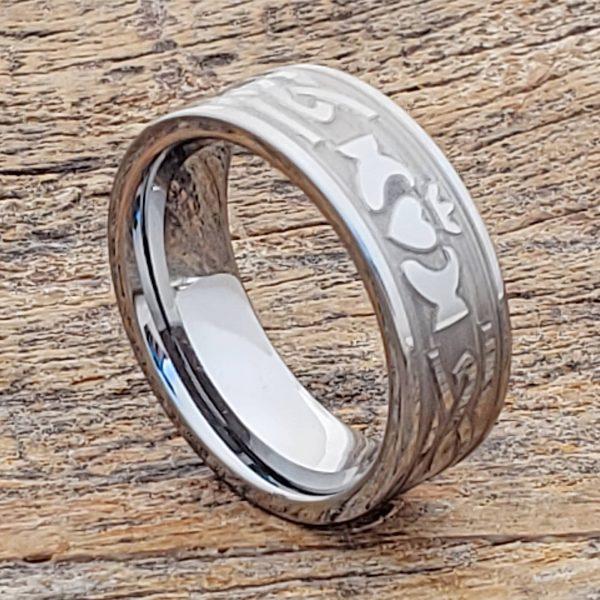 legend-engagement-carved-8mm-knotwork-claddagh-rings
