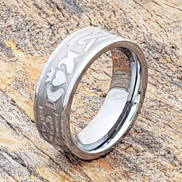 legend-engagement-carved-knotwork-8mm-claddagh-rings