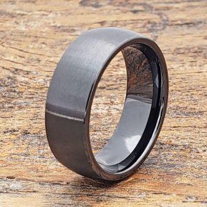 manhattan-brushed-black-ceramic-rings