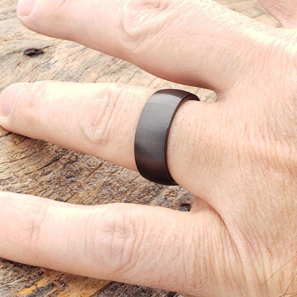 manhattan-brushed-black-ceramic-rings-8mm
