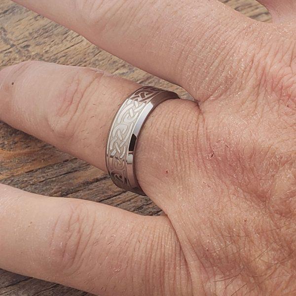 medieval-7mm-irish-carbide-beveled-celtic-rings