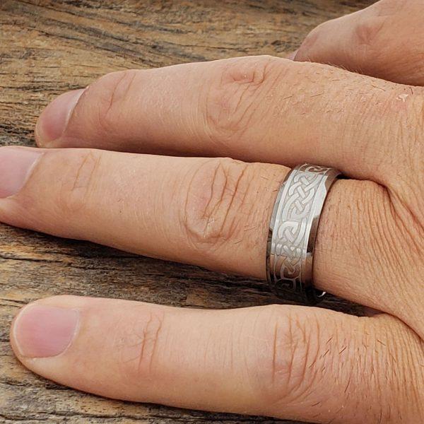 medieval-silver-irish-beveled-8mm-celtic-rings