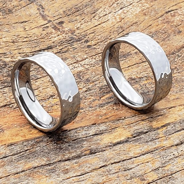mens-flat-hammered-ring