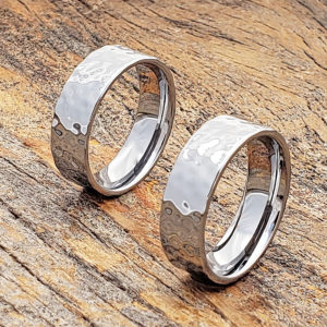 mens-flat-hammered-rings