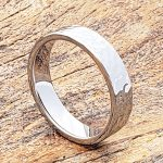 mens-flat-tungsten-hammered-rings-2