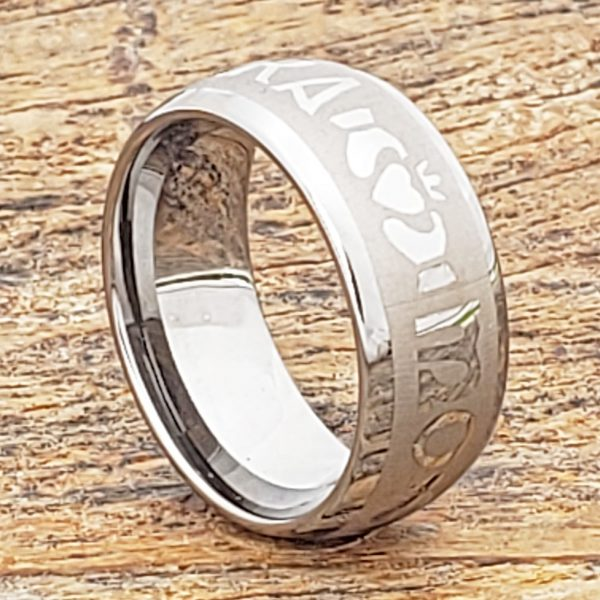 mo-anam-cara-soulmate-engraved-claddagh-rings (3)