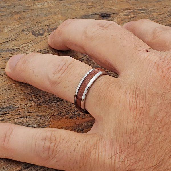 neptune-mens-redwood-wooden-rings-6mm