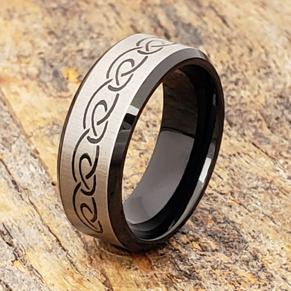 shamrock-black-signet-8mm-rings