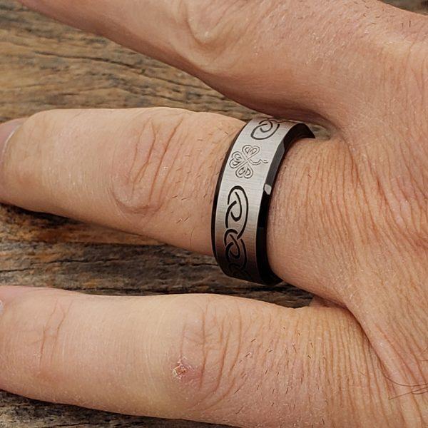 shamrock-black-signet-rings-8mm