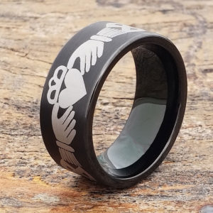 triclops-best-friend-black-brushed-claddagh-rings