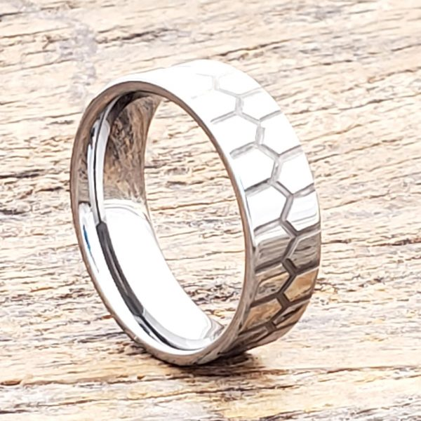 abyss-polished-7mm-carved-rings