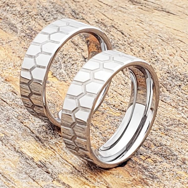 abyss-polished-carved-ring-7mm