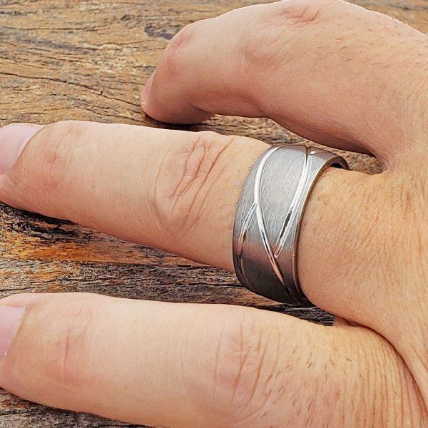 caesar-brushed-mens-10mm-carved-rings