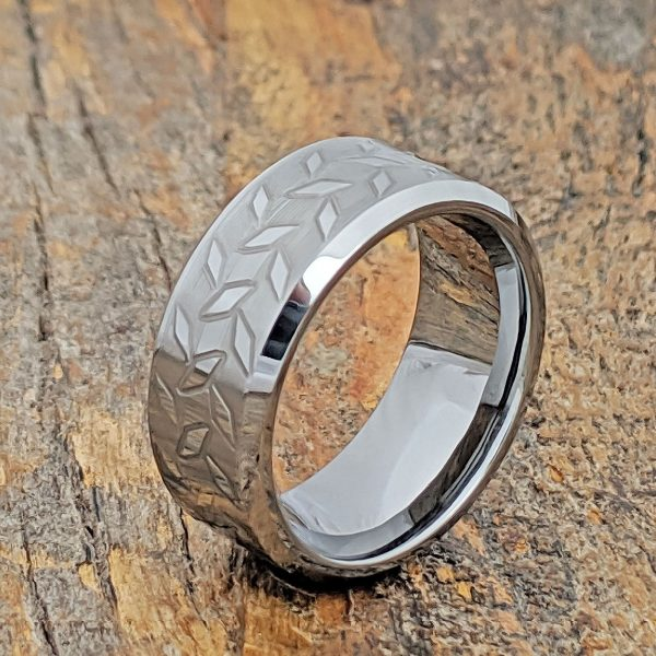 diamond-plate-brush-carved-ring