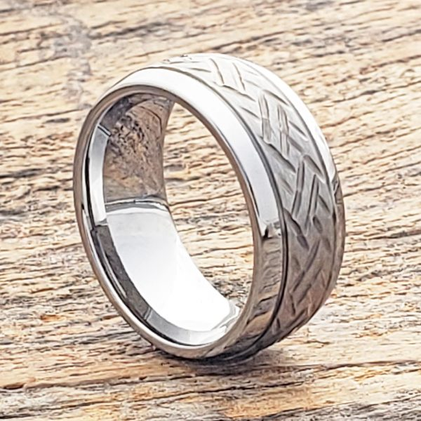 draco-mens-9mm-two-tone-carved-rings