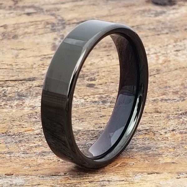 europa-black-pipe-cut-tungsten-ring