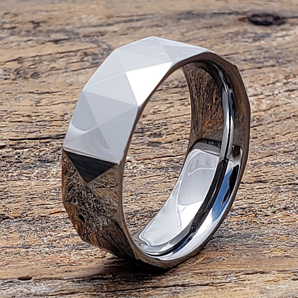 geometric-faceted-tungsten-ring