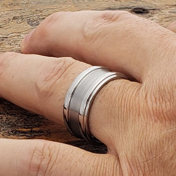 gorgons-brushed-tungsten-wedding-10mm-bands