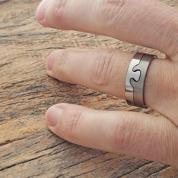 interlocking-8mm-polished-puzzle-ring