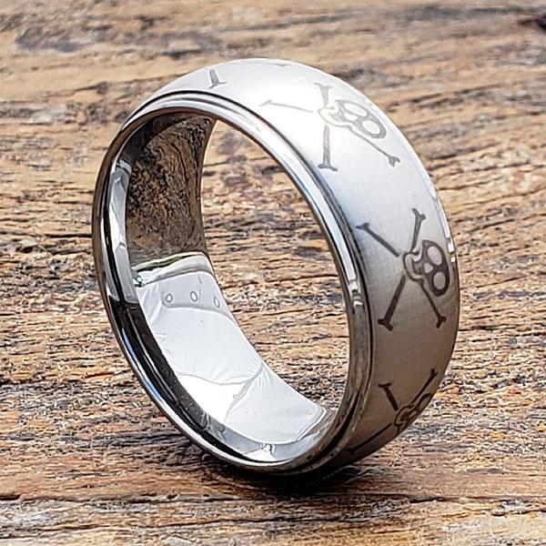jolly-roger-skull-rings