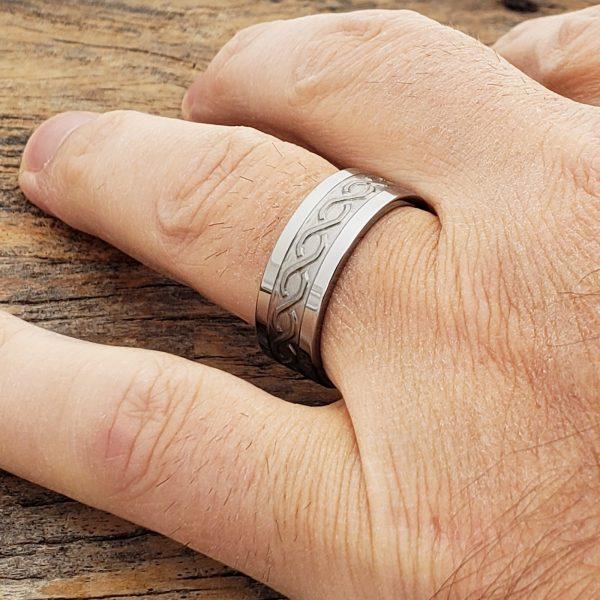 jupiter-mens-carved-infinity-8mm-rings