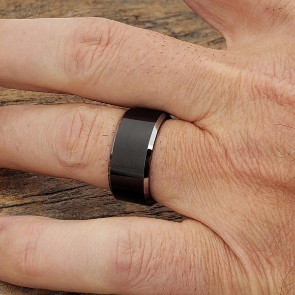 kana-silver-edges-black-10mm-tungsten-rings