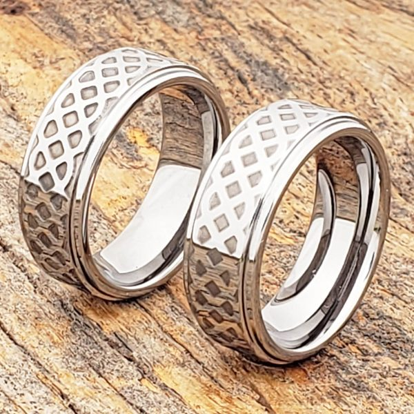 labyrinth-8mm-knotwork-polished-carved-rings