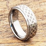 labyrinth-knotwork-8mm-polished-carved-rings