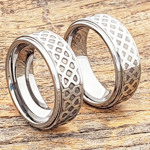 Labyrinth Knotwork Polished Carved Rings