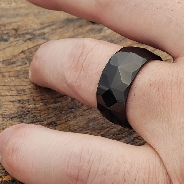 pavo-black-mens-10mm-faceted-rings