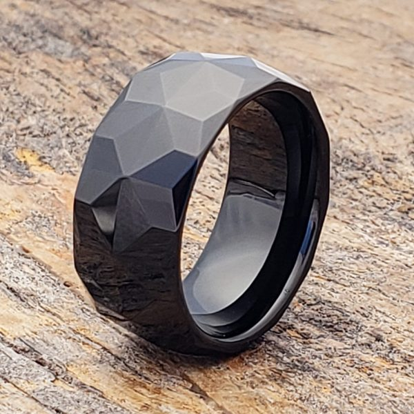 pavo-black-mens-faceted-ring