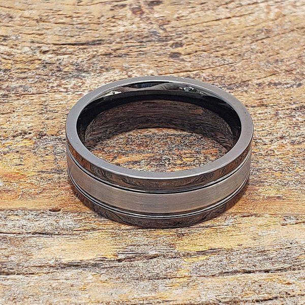 serpico-black-grooved-tungsten-rings