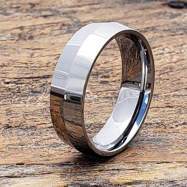 stealth-polished-peaked-womens-tungsten-ring