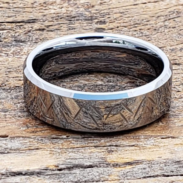 thorns-7mm-unique-mens-beveled-carved-rings