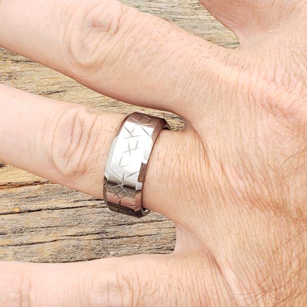 thorns-polished-mens-9mm-beveled-carved-rings