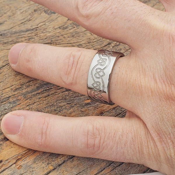 ursa-knotwork-heart-ring