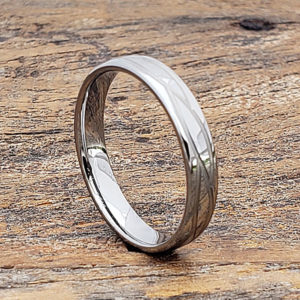 women polished carved rings